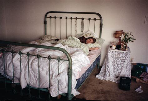 courtney bed kurt cobain nirvana rare pictures and photos old hard to