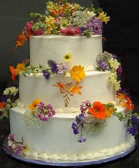Hochzeitstorte Vintage Blumen by Garten Hochzeit Wilde Blumen Hochzeitstorte 2032717