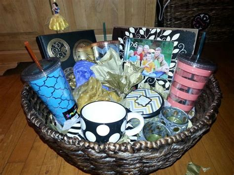 bridal shower gift basket prize ideas bridal shower prize basket make a basket of different