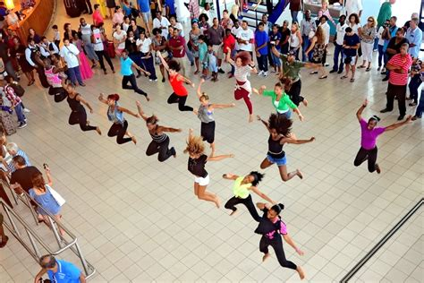 tutorial dance flash mob let s all be in a book flash mob mia kerick