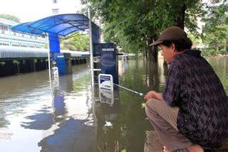 Mancing Emosi cara paling jitu atasi banjir terpaling