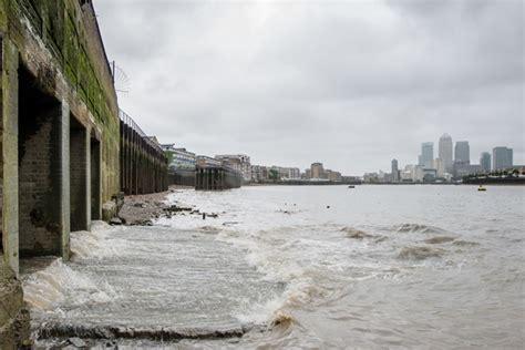 thames river sewage southwark council challenges super sewer permission
