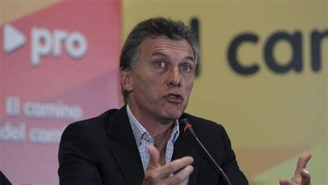 mauricio macri argentina president macri government announces intervention in state run media