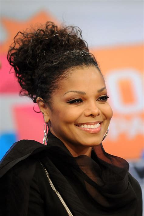 janet jackson hairstyles photo gallery janet jackson loose bun janet jackson looks stylebistro