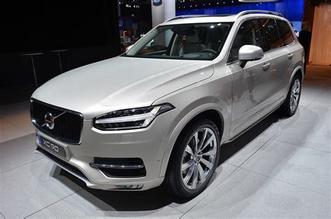 volvo xc paris  photo gallery autoblog