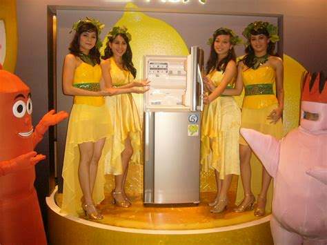 Kulkas Sharp Di Jakarta sharp indonesia luncurkan versi terbaru kulkas lemon