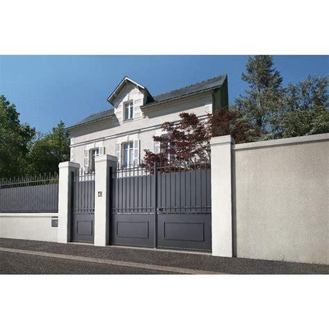 Portail Coulissant 2607 by Portail Coulissant Acier Mod 232 Le A Avec Festonnage Maison