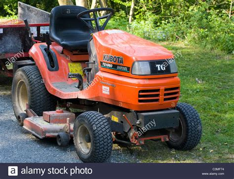 kubota lawn tractor with kubota tractor stock photos kubota tractor stock images