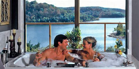 Romantic Getaway Suites on Beaver Lake   Eureka Springs