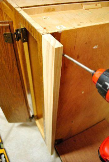 filling gaps between cabinets 215 best images about kitchen on pinterest oak cabinets
