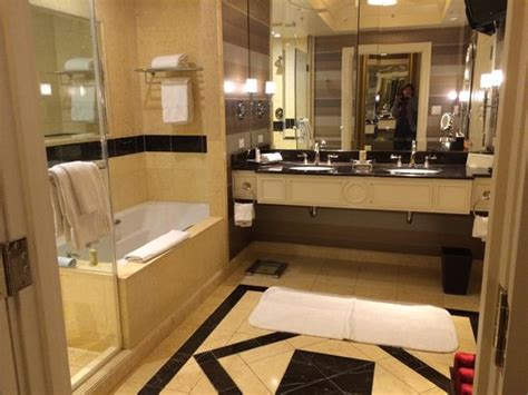 Palazzo Bathrooms bathroom picture of the palazzo resort hotel casino las vegas tripadvisor