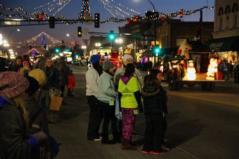 pictures from 2015 light parade alexandria mn