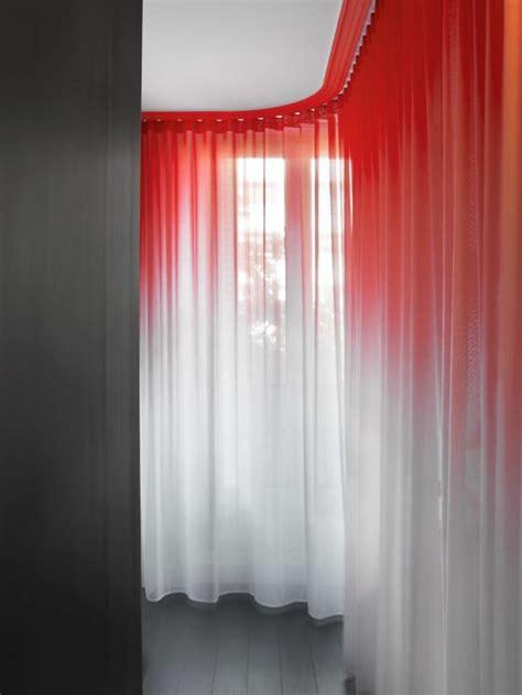 graue vorh nge f r schlafzimmer tolle gardinen in rot bilder die besten wohnideen