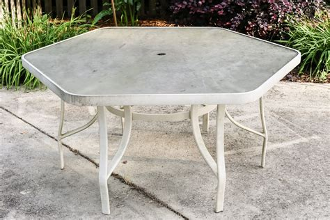 glass top outdoor table shattered 100 patio table glass shattered replacement patio table