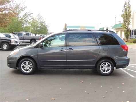 2008 toyota automatic sliding door in le 2008 toyota le minivan 8 passenger v6 power