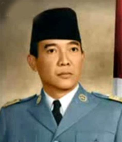 biography soekarno in english indonesian president sukarno newhairstylesformen2014 com