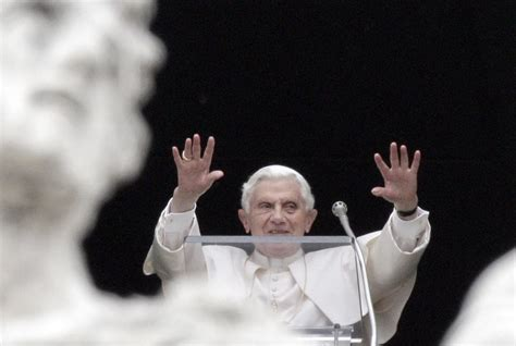 santa sede benedetto xvi vaticano l ultima monarchia assoluta giornalettismo