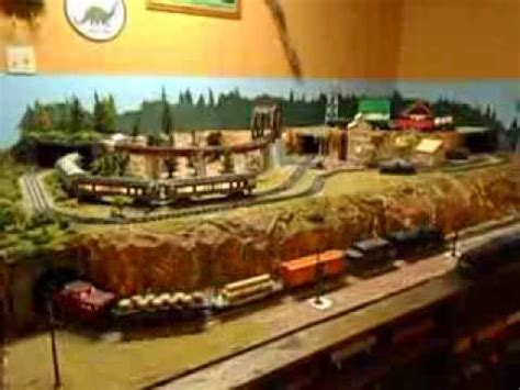 lionel layout youtube lionel post war style layout 5x9 youtube