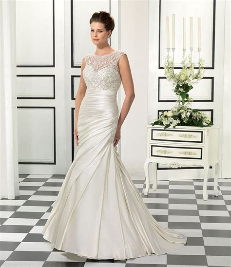 Bridesmaid Dresses For Small Bust - finding the best wedding dress for small bust is