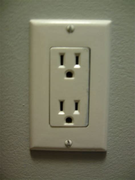 With Outlets by File Can Usa Power Outlet Jpg Wikimedia Commons