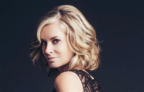 ashley abbott hairstyle 2015 ashley abbott hairstyle 2014 triple threat eileen davidson
