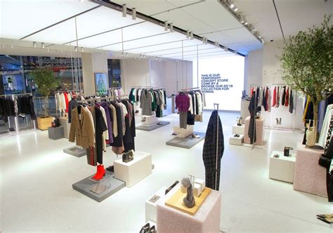 Ready Best Seller One Line Zara zara launches pop up store dedicated to orders in