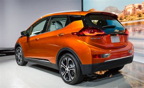 2017 chevy bolt ev starting price is 42 795 in canada