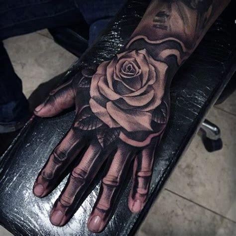 tattoo vorlage hand 75 skelett hand tattoo designs f 252 r m 228 nner manly ink