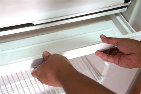 how to fix refrigerator leaking water refrigerator troubleshooting fix refrigerator leaking water