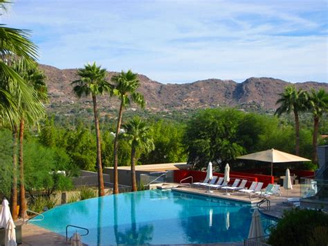 Chase Desk Sanctuary Camelback Mountain Resort Review