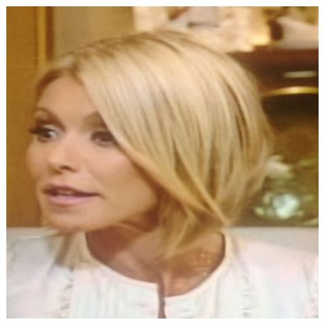 how does kelly ripa style her hair kelly ripa s new hair so classy haircuts pinterest