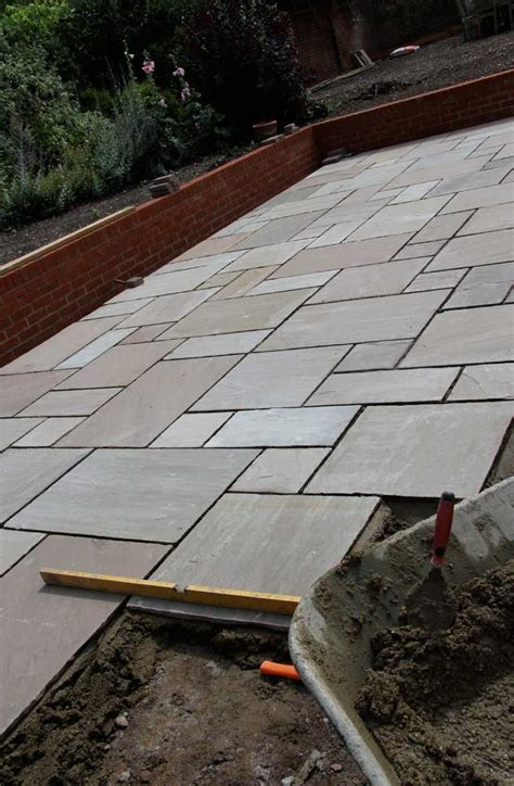 Patio Slabs by 25 Best Ideas About Paving Slabs On Patio