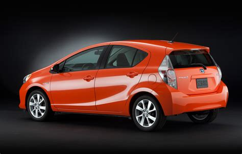 toyota prius toyota prius c preview 2012 car report daily