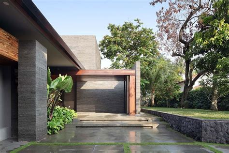 house yard design luxurious and elegant diminished house in south jakarta keribrownhomes