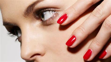 photos ongles vernis permanent le vernis semi permanent est il dangereux l express styles