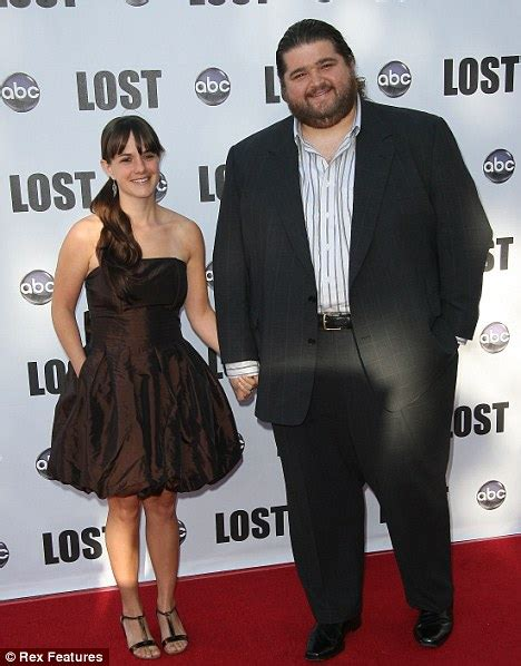 actor jorge garcia wife larger than life lost star jorge garcia brings his pint