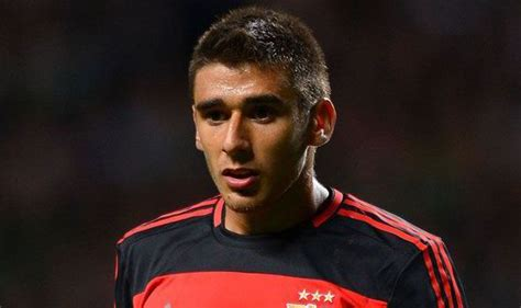 eduardo salvio benfica insist arsenal city and spurs target eduardo