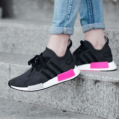 Adidas Nmd R1 Wmns Primeknit Black Shock Pink Sneakers Wanita Sepatu J adidas nmd r1 primeknit black pink shoes trainers uk sale