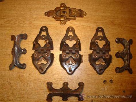 herrajes para muebles antiguos antiguos herrajes de baul comprar ba 250 les antiguos en