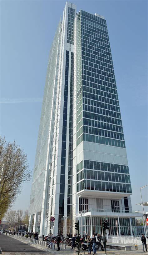 intesa san paolo sede intesa sanpaolo regala a torino il grattacielo della 194