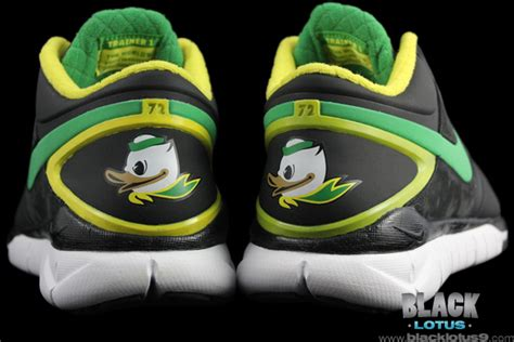 oregon duck shoes spotlight special nike trainer 1 3 mid shield rivalry