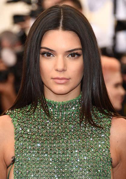 Kendall Jenner Detox Tea Brand by Trucco Per Pelle Olivastra Tutti I Trend It