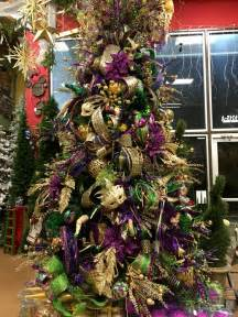 oriental trading home decor mardi gras home decor 192 best images about mardi gras decor on pinterest