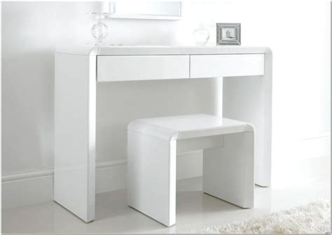 Compact Table And Stools by The 25 Best Dressing Table Modern Ideas On