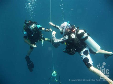 padi dive master padi divemaster course indepth dive centre phuket idc
