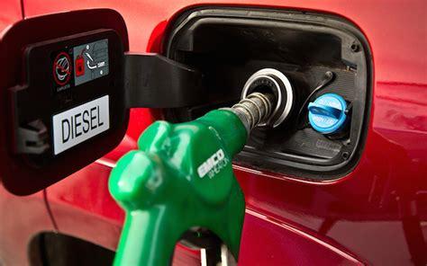 Nozzle Pompa Bensin toyota auto2000 probolinggo apa perbedaan antara mesin diesel dengan mesin bensin