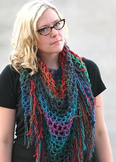 ravelry easy triangle fringe scarf  shawl pattern