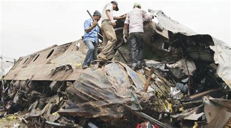 india yesterday 80 killed as maoists derail in india