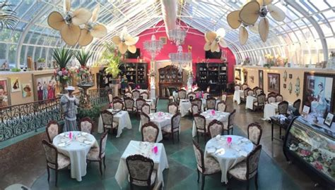 brit bradys vintage casual wedding in st louis mo real visit these 10 charming tea rooms in missouri for a piece
