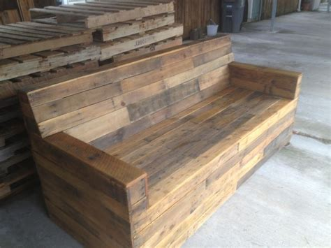 wood pallet couches stained pallet sofa diy pinterest